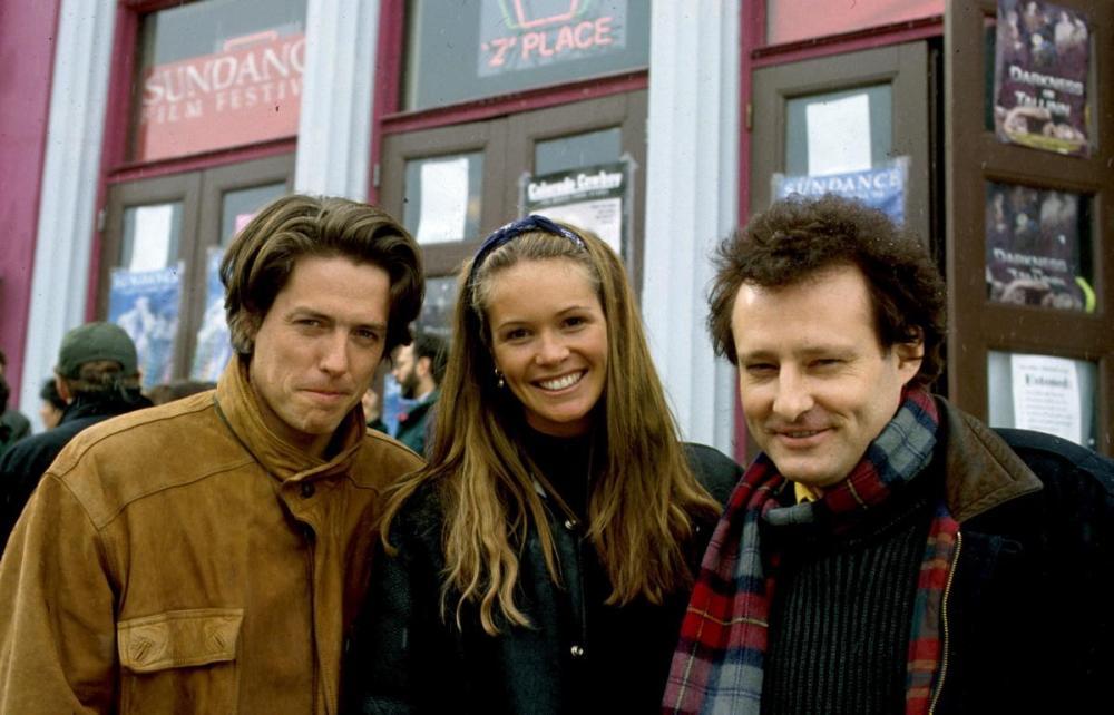 hugh-grant-elle-macpherson-john-dwingan-1994